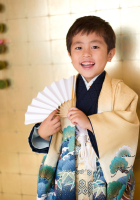 七五三 753 三歳 五歳 写真 男の子 着物 鎧兜 かっこいい