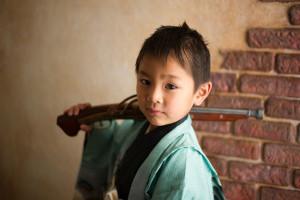 七五三 753 三歳 五歳 写真 男の子 着物 鎧兜 かっこいい 火縄銃