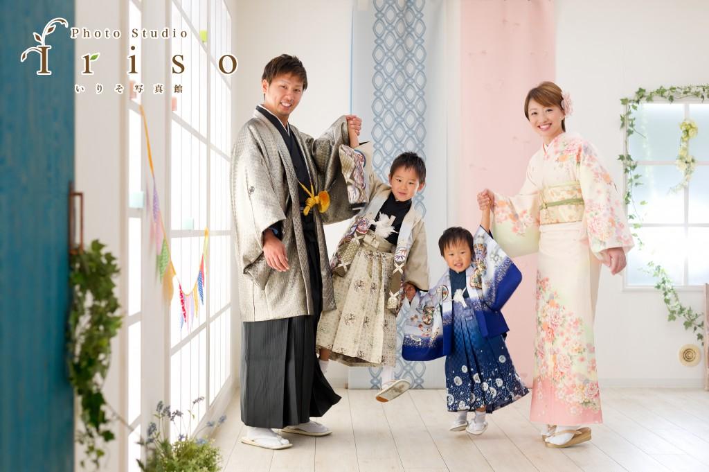 七五三 753 三歳 五歳 七歳 写真 男の子 女の子 着物 家族で着物 かっこいい かわいい 家族写真 パパ ママ おじいちゃん おばあちゃん