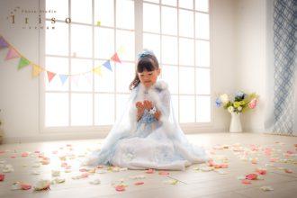 七歳 七五三 洋装 ドレス 白 水色 ファー 花 ヴェール かわいい