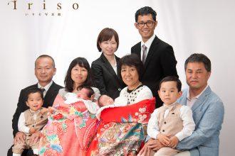 家族写真 お宮参り おじいちゃんおばあちゃんと一緒に お祝い着 衣裳