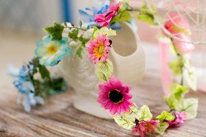 マタニティフォト用色が華やかな花飾り
