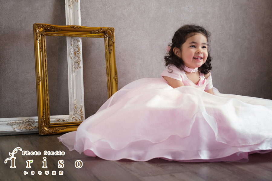 七五三家族写真 三歳 洋装 かわいい